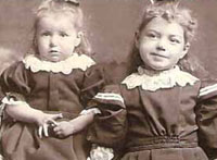 Dorothy Johnston (1891-1984) & Annie Benzie Johnston (1893-1904)